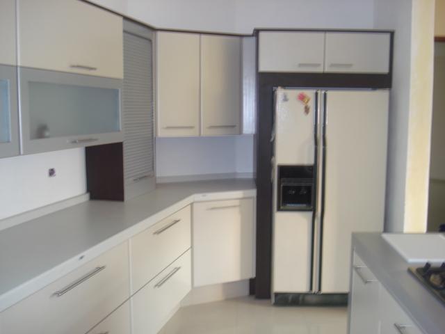 Dise os tablerados con madera vidrio o herreria cocinas for Ver modelos de puertas